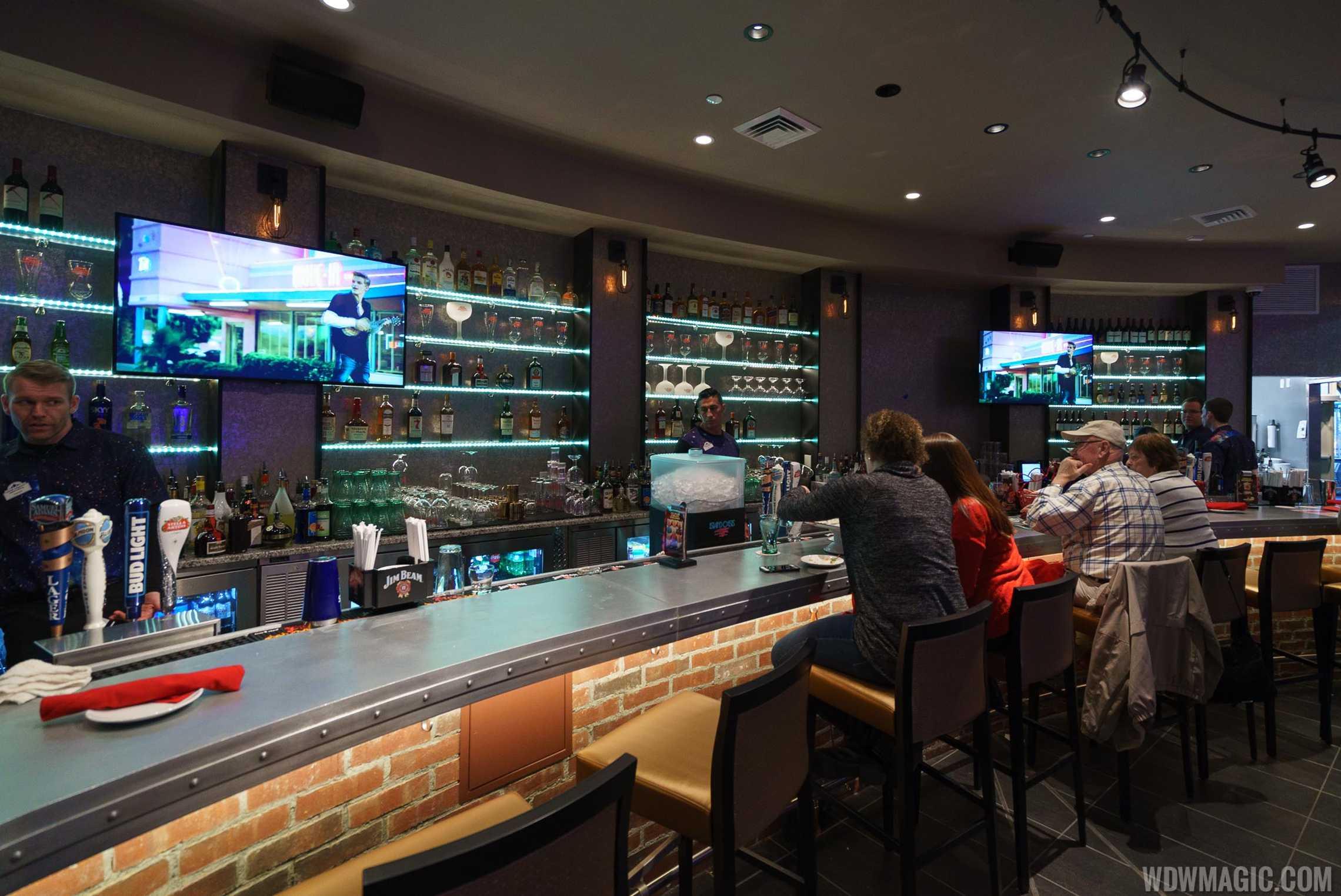 Planet Hollywood Observatory - Lower level bar