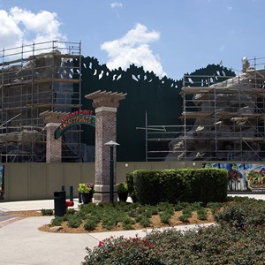 9 of 9: T-Rex - T-Rex restaurant construction