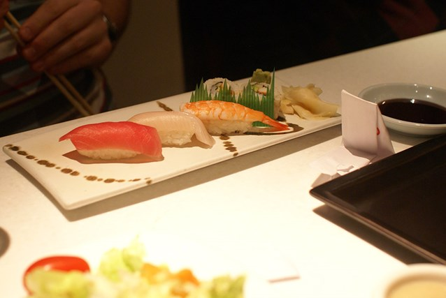 Teppan Edo - Sushi Sampler - Tuna, Yellow Tail, Shrimp Nigiri