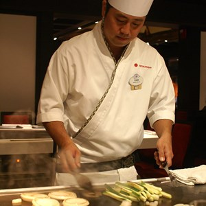 1 of 8: Teppan Edo - Teppan Edo chef performance