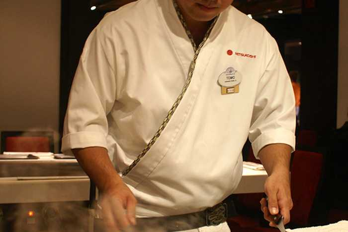 Teppan Edo chef performance