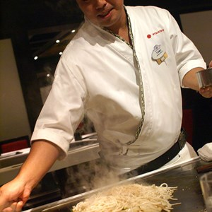 6 of 8: Teppan Edo - Teppan Edo chef performance