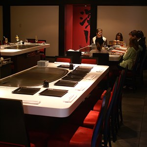 2 of 4: Teppan Edo - Teppan Edo dining room