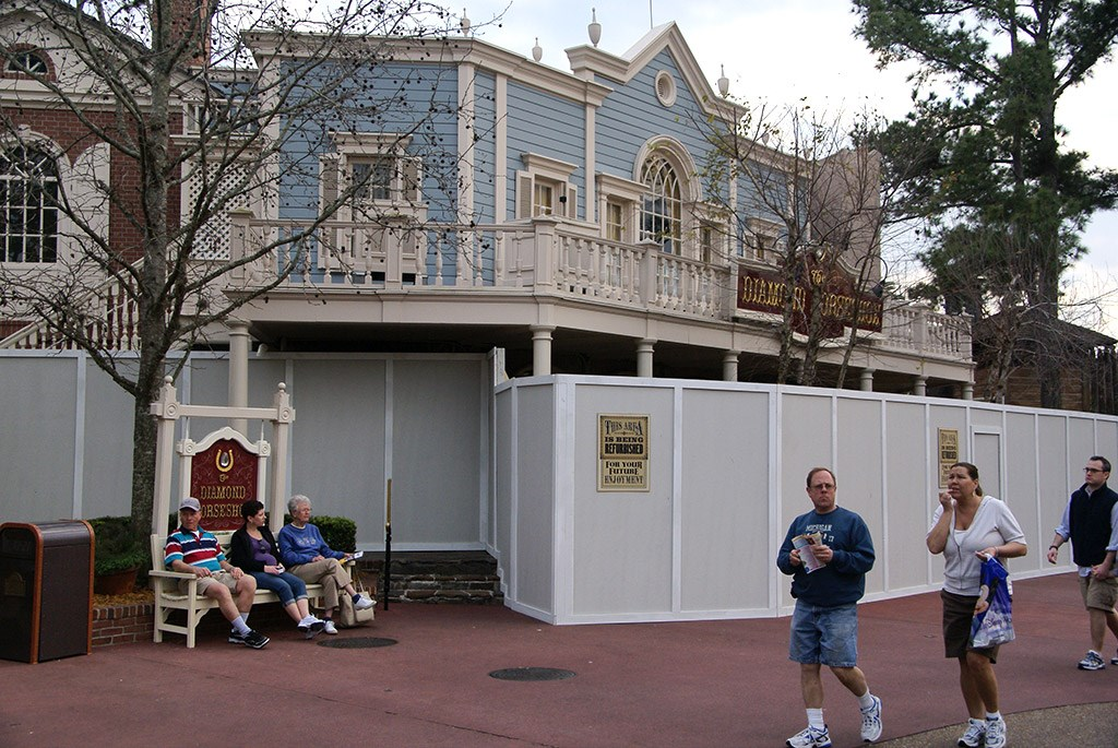 Diamond Horseshoe walled off for refurbishment