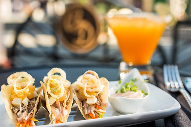 The Hollywood Brown Derby - The Hollywood Brown Derby Lounge - Duck tacos