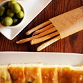 Tutto Italia Ristorante - Foccacia, olives, olive oil and breadsticks, Tutto Gusto