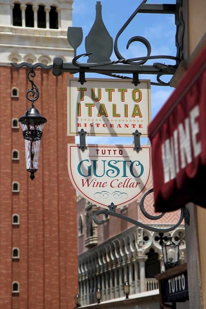 Tutto Gusto and Tutto Italia opening day