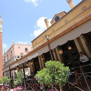 6 of 16: Tutto Italia Ristorante - Tutto Italia outdoor seating area