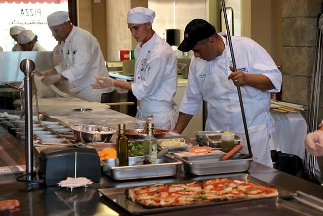 Via Napoli - The open kitchen