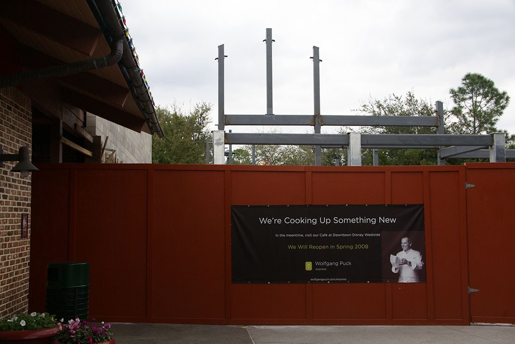 Wolfgang Puck Express Marketplace location closed for refurbishment