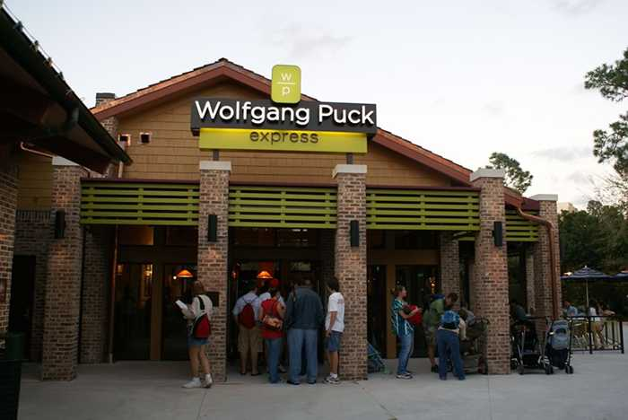 Newly refurbished Wolfgang Puck Express opens