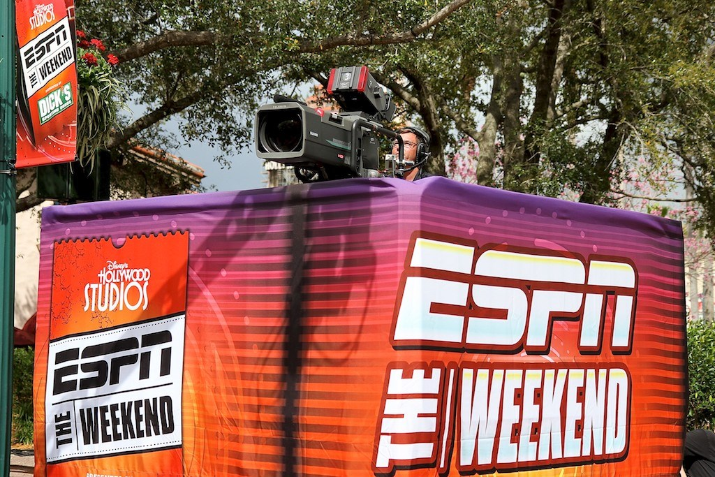 2011 ESPN The Weekend - Day 1