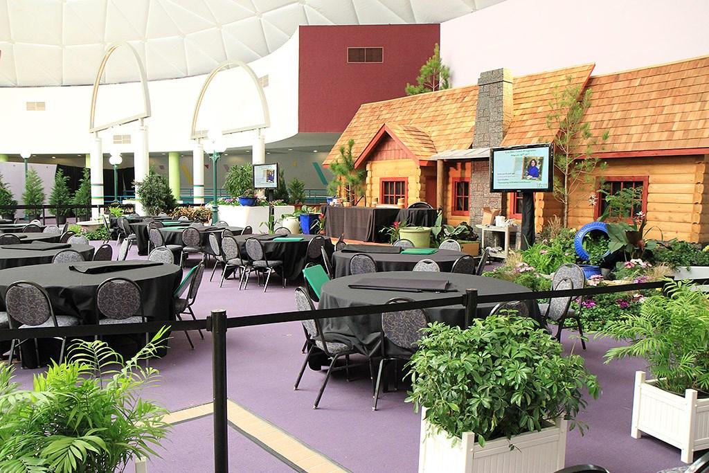 2010 International Flower and Garden Festival - Garden Town