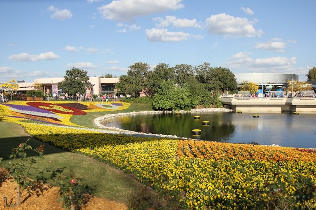 Epcot International Flower and Garden Festival - Flower beds around the Future World to World Showcase walkways