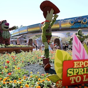 4 of 8: International Flower and Garden Festival - Lotso and Lightning McQueen