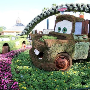 2 of 2: International Flower and Garden Festival - Mater topiary