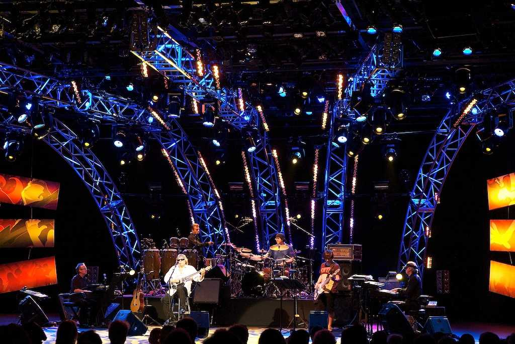 Jose Feliciano performs at a previous Flower and Garden Festival show