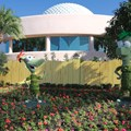 International Flower and Garden Festival - 2013 Epcot Flower and Garden Festival - Phineas and Ferb topiary
