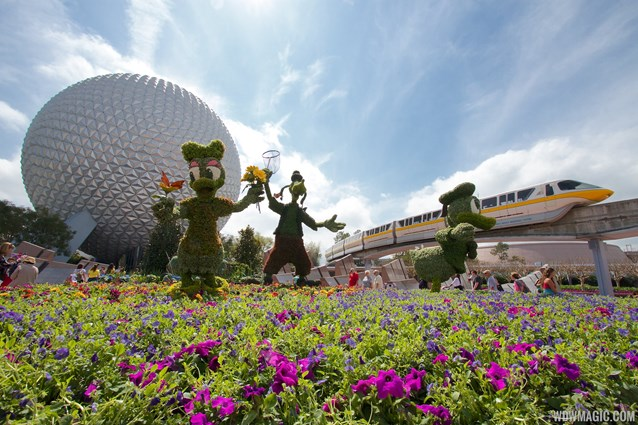 Epcot International Flower and Garden Festival - 2014 Epcot Flower and Garden Festival - Main entrance topiary