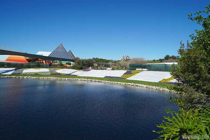 2015 Epcot Flower and Garden Festival Outdoor Kitchen and Topiary installation