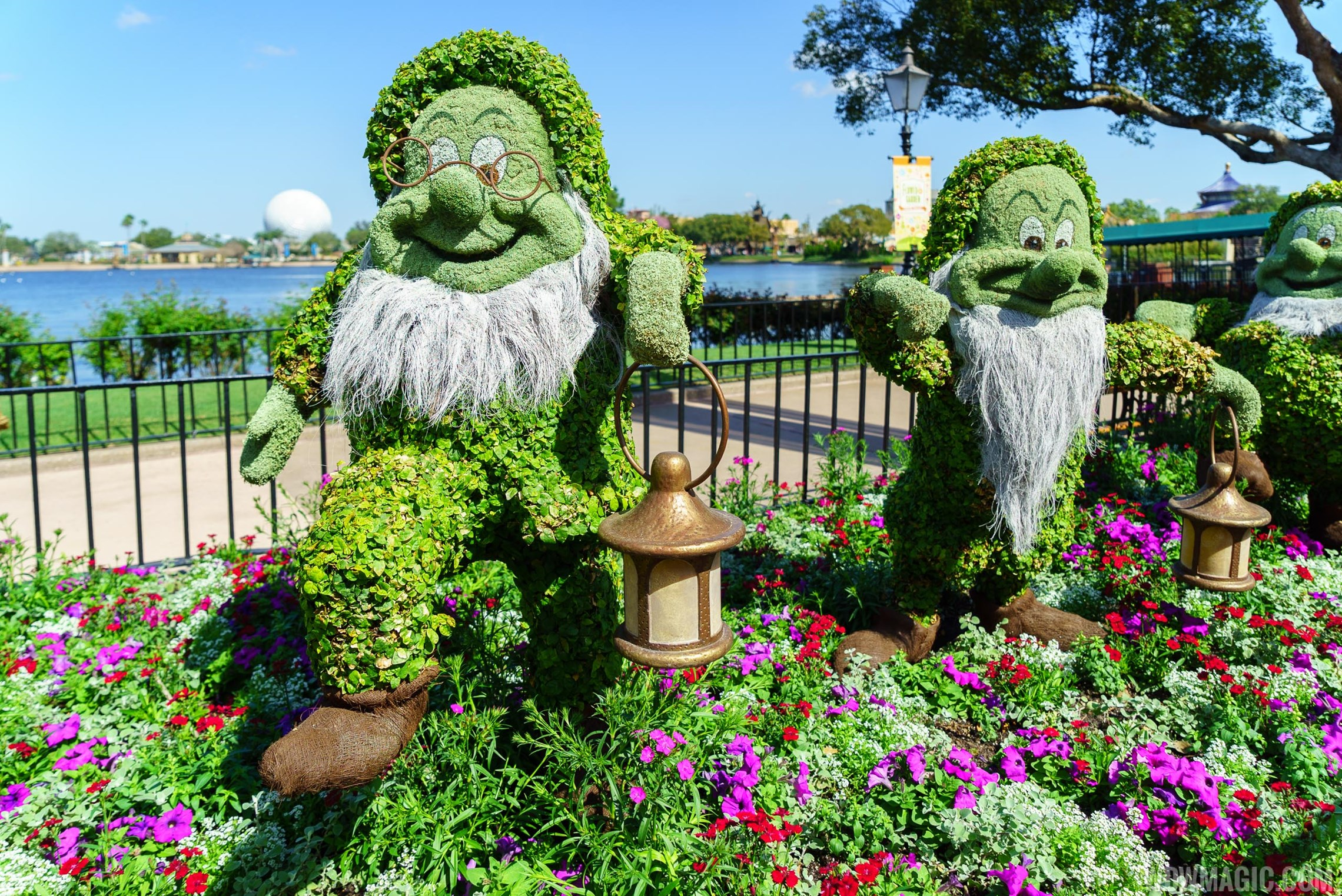 2016 Epcot International Flower and Garden Festival topiary tour 70 o