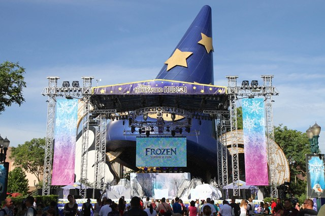 Frozen Summer Fun - Stage setup for welcome
