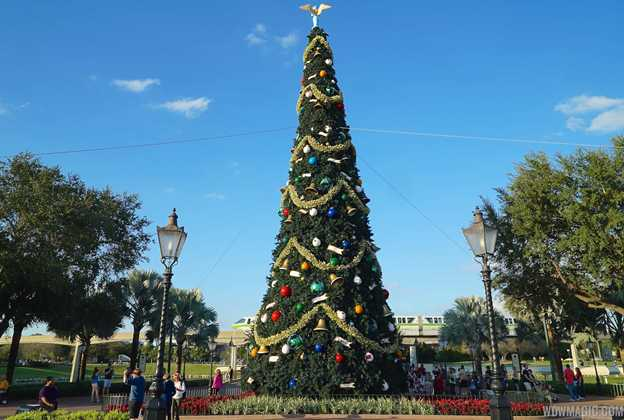 Epcot holiday decorations 2014