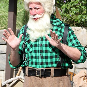 4 of 6: Holidays Around the World at Epcot - Holiday Storytellers - Canada - A Christmas Journey