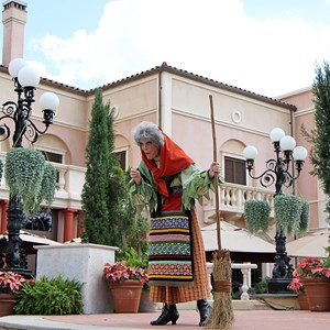 3 of 8: Holidays Around the World at Epcot - Holiday Storytellers - Italy - La Befana