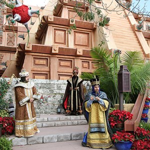 5 of 12: Holidays Around the World at Epcot - Holiday Storytellers - Mexico - Los Tres Reyes Magos