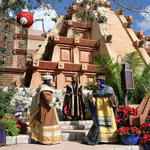7 of 12: Holidays Around the World at Epcot - Holiday Storytellers - Mexico - Los Tres Reyes Magos