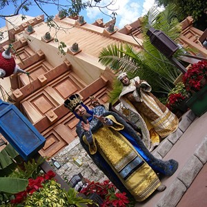 11 of 12: Holidays Around the World at Epcot - Holiday Storytellers - Mexico - Los Tres Reyes Magos