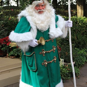 2 of 6: Holidays Around the World at Epcot - Holiday Storytellers - United Kingdom - Father Christmas