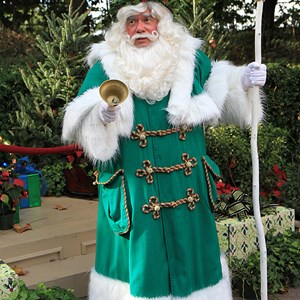 3 of 6: Holidays Around the World at Epcot - Holiday Storytellers - United Kingdom - Father Christmas