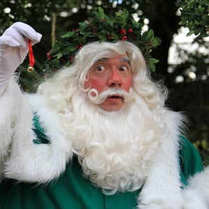5 of 6: Holidays Around the World at Epcot - Holiday Storytellers - United Kingdom - Father Christmas