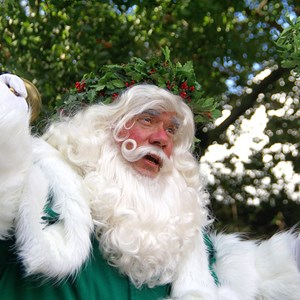 6 of 6: Holidays Around the World at Epcot - Holiday Storytellers - United Kingdom - Father Christmas