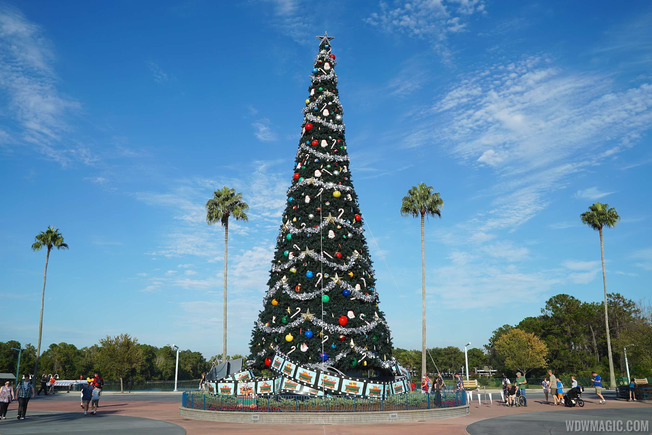 Disney world christmas decorations 2014 - Disney World Christmas Decorations 2014 31