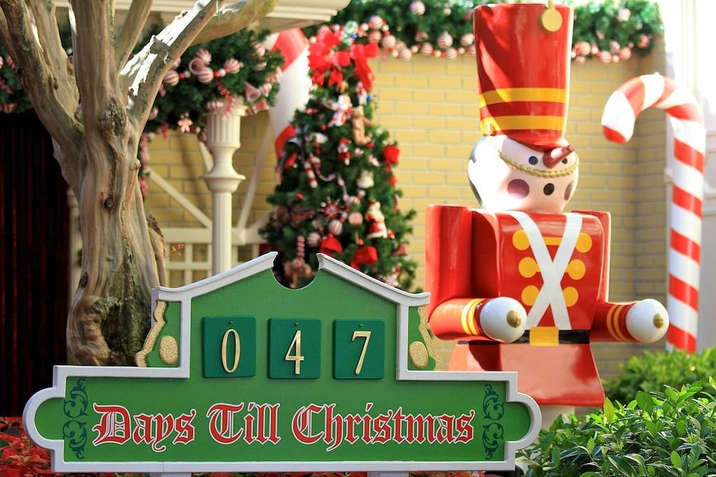 Holidays decorations at the Magic Kingdom 2010
