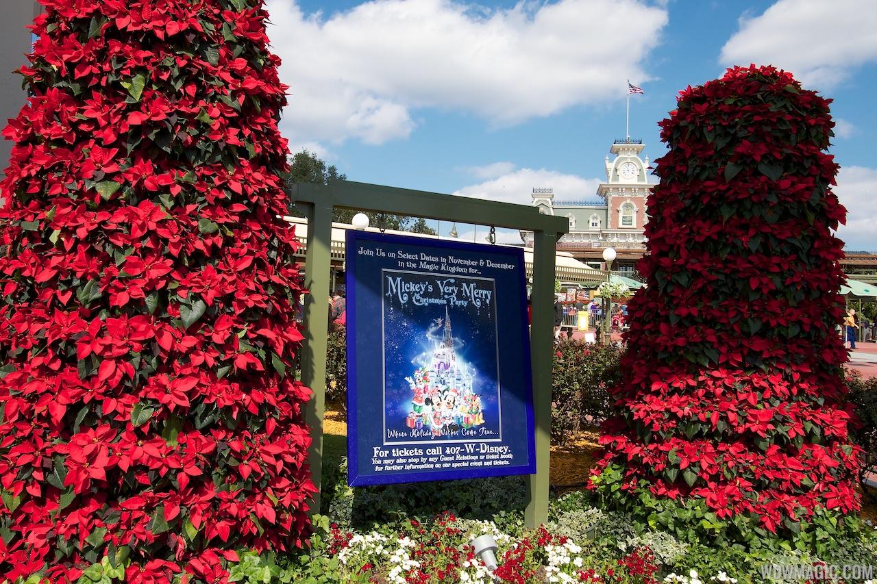Disney Parks Christmas Day Parade 2013   Autos Weblog