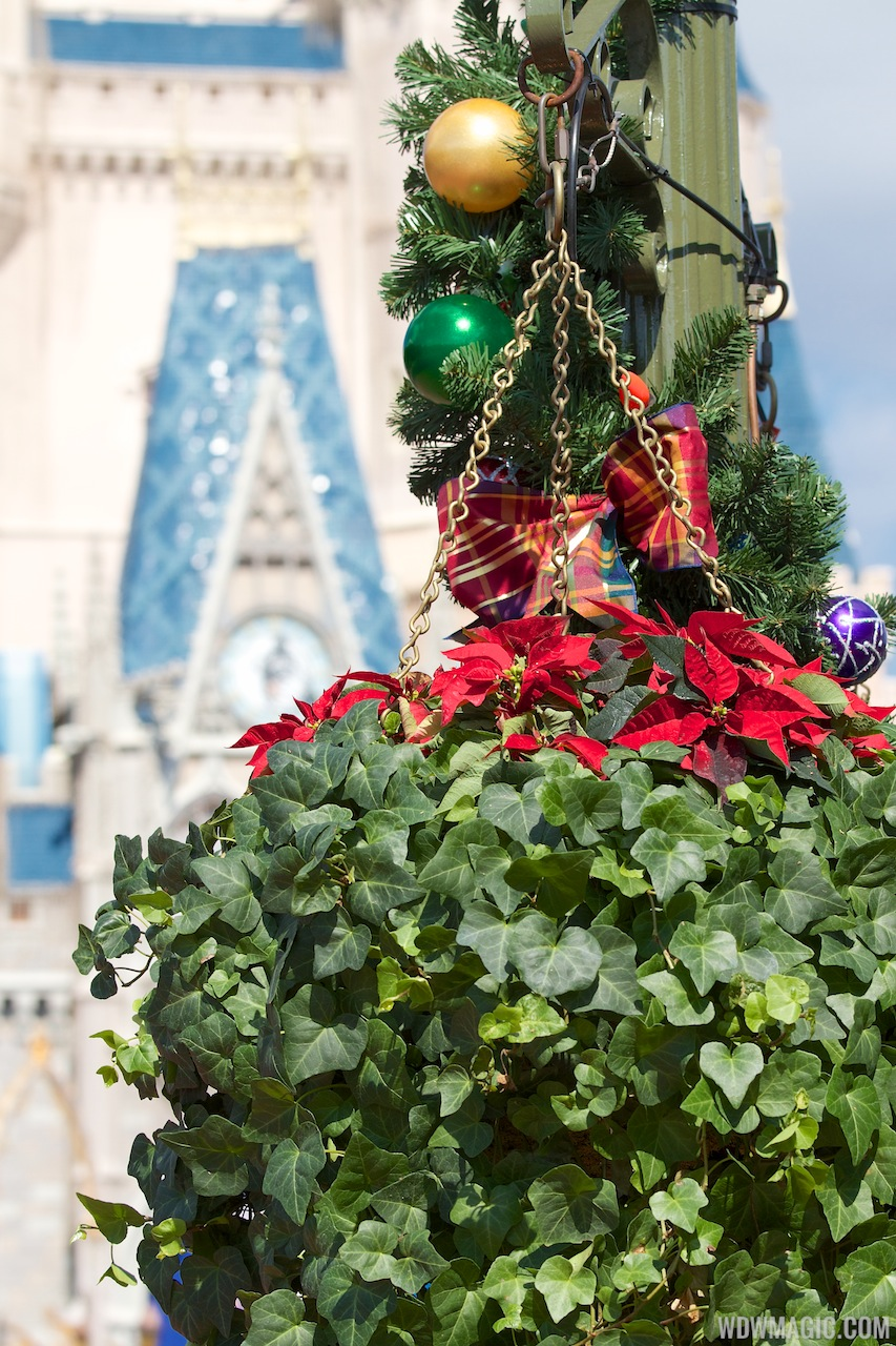 Holidays Decorations At The Magic Kingdom 2012 Photo 13