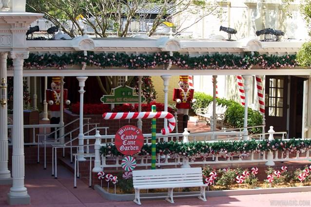 Holidays at the Magic Kingdom - Christmas Holidays decorations at the Magic Kingdom 2012