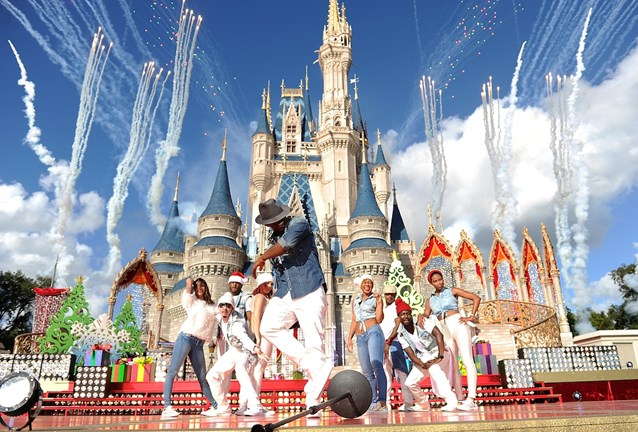 Holidays at the Magic Kingdom - Ne-Yo performs at the Disney Parks Christmas Day Parade TV Special 2013 taping
