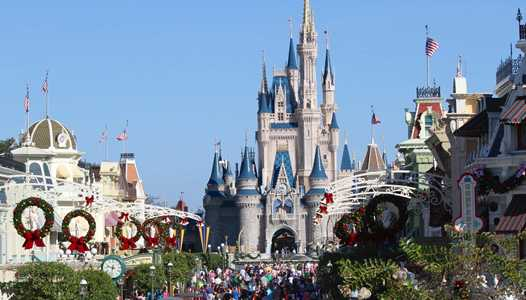 'A Frozen Holiday Wish' returns to the Magic Kingdom for the holidays - see the full line-up