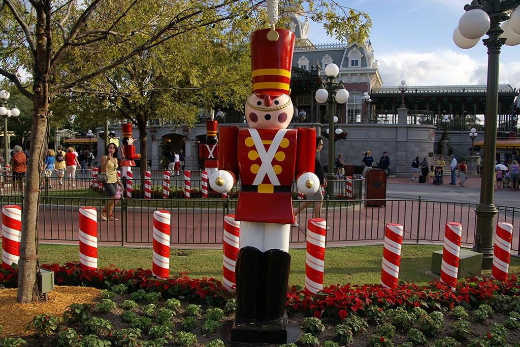 Holidays decorations at the Magic Kingdom 2009