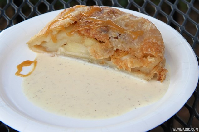 Epcot International Food and Wine Festival - Germany - Apple Strudel with Karamel-Vanilla Sauce