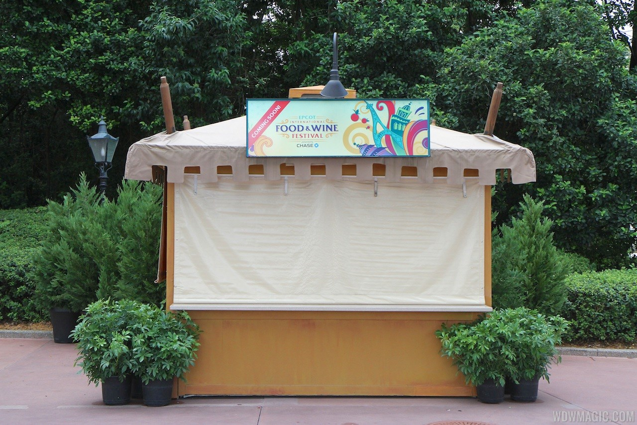2013 Food and Wine Festival marketplace kiosks installation