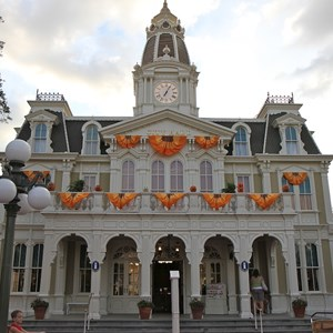 5 of 13: Mickey's Not-So-Scary Halloween Party - Halloween decorations installation