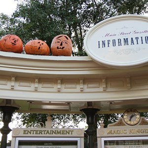 13 of 13: Mickey's Not-So-Scary Halloween Party - Halloween decorations installation
