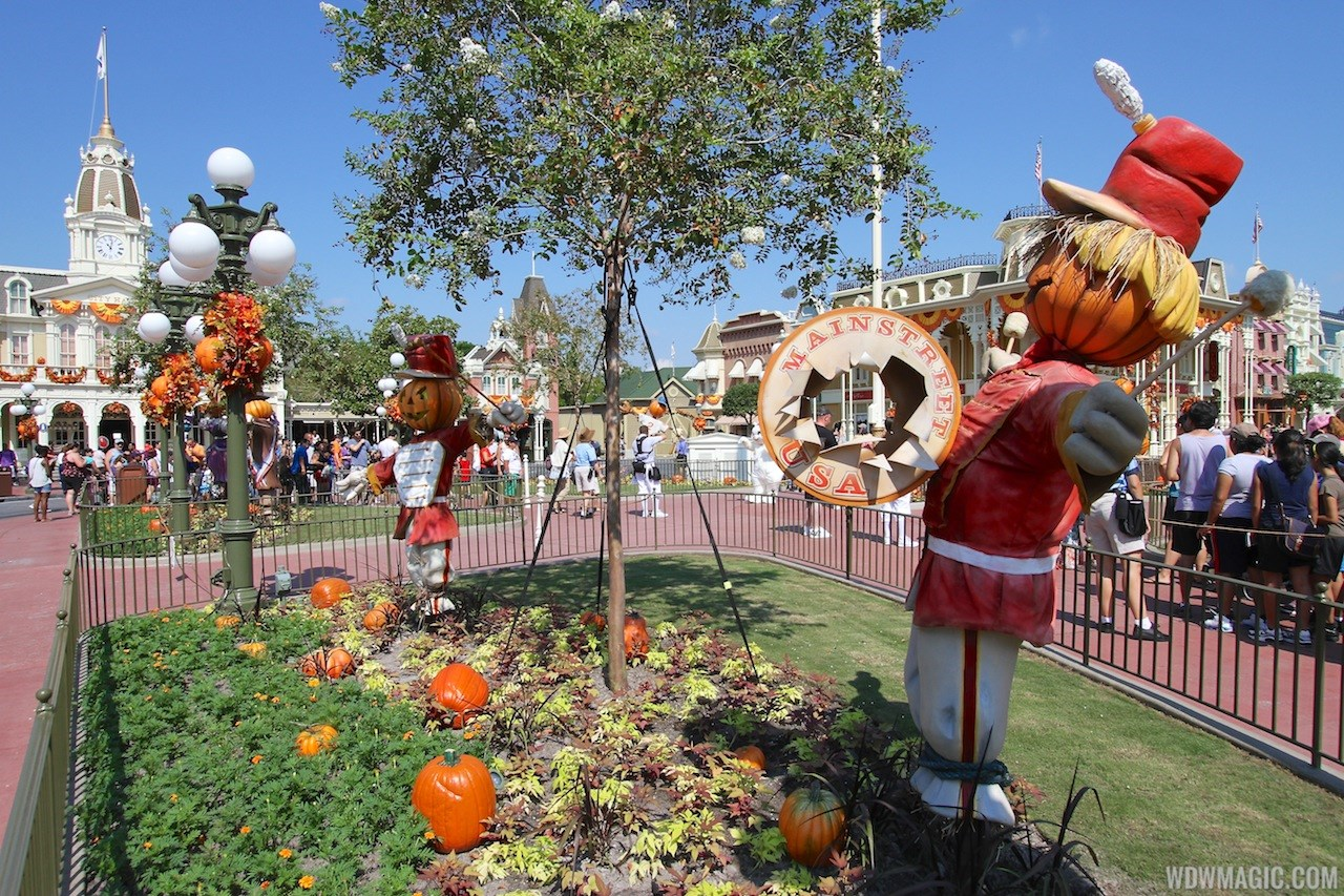 Magic Kingdom Halloween decorations 2013