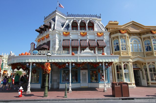 Mickey's Not-So-Scary Halloween Party - Magic Kingdom's 2013 Halloween decorations - Main Street Confectionary